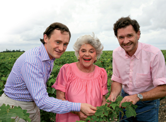 <p>Thanks to Baroness Philippine, here with her two sons, Clerc Milon can boast technical facilities and reception areas worthy of its reputation.</p> <p>&nbsp;</p> <p><em>Discover the familly portraits on Château Mouton Rothschild website.</em></p>